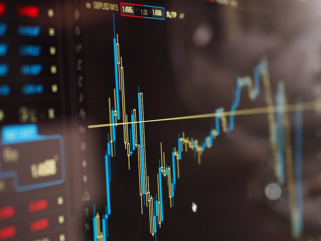 Free tutorial on analyzing stock returns